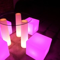 Cube luminoso autoalimentato